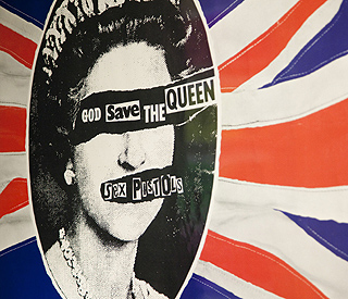 Sex Pistols' fans bid for Jubilee number one