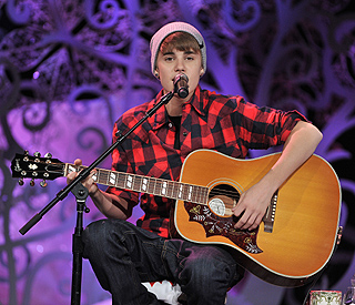 Justin Bieber pens song about paternity claims