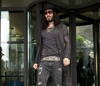 Russell Brand tells MPs not to 'discard drug addicts'