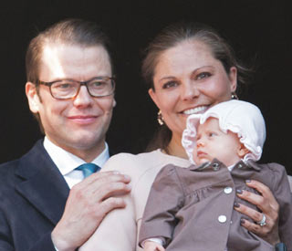 Princess Estelle is the star of balcony scene