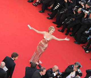Jane Fonda brings life to Cannes with infectious energy