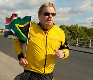 Eddie Izzard forced to quit tough marathon challenge