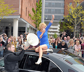 Geri Halliwell arrives in style to 'X Factor' auditions
