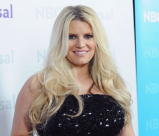 Jessica Simpson signs up to WeightWatchers