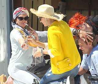 Lindsay Lohan jokes about 'collapse' incident