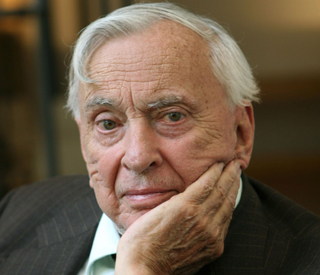 Author and playwright Gore Vidal dies