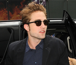 Robert to walk red carpet with Kristen