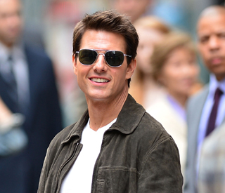Tom Cruise surprises diners at curry restaurant