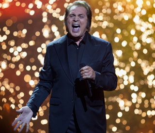 Engelbert Humperdinck to perform for Dalai Lama