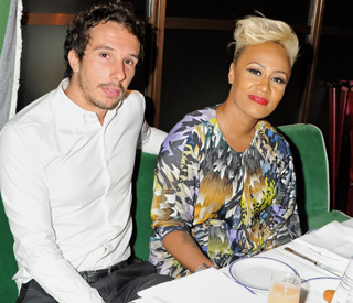 Singing sensation Emeli Sandé weds long-term love