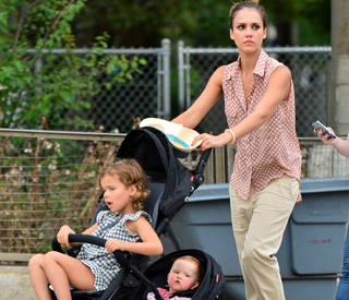 Busy mum Jessica Alba makes lists 'to keep sane'