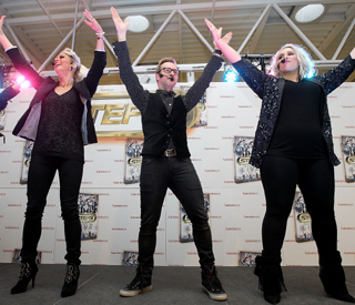 Steps host record breaking supermarket dance-off