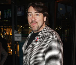 Wife's career lets Jonathan Ross turn down radio job