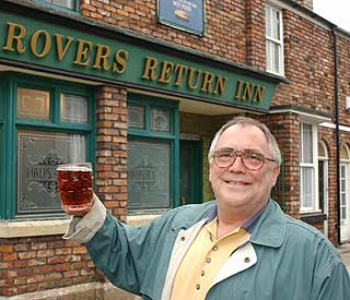Stars bid farewell to 'Corrie' legend Bill Tarmey