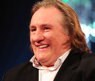 Gerard Depardieu gives up French passport