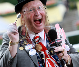 John McCririck to sue channel 4