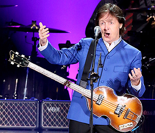Paul McCartney sings Linda McCartney jingle