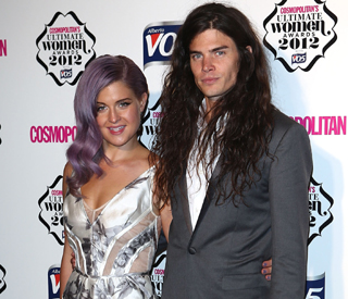 Kelly Osbourne denies engagement