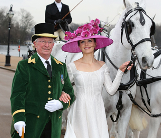 Elegant Victoria Pendleton launches Royal Ascot