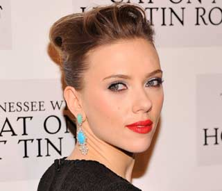 Scarlett Johansson says no to the green-eyed monster