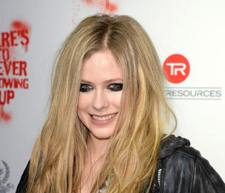 Avril Lavigne's wedding to be 'extraordinary'