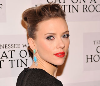 Scarlett Johansson rumoured to take on Hillary Clinton film role