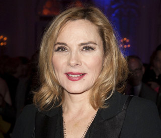 Kim Cattrall heats up the stage in new role