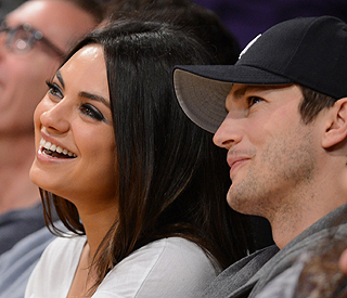 Ashton Kutcher to take Mila Kunis out of this world