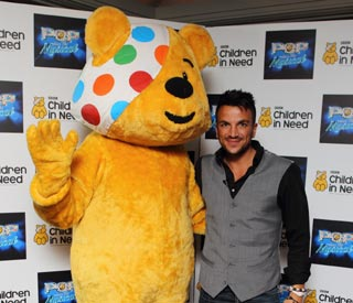 Peter Andre to host Britain's largest car wash