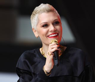 Jessie J to turn on London Christmas lights