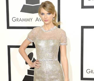 Taylor Swift reveals she won't strip for publicity