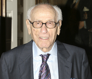 Actor Eli Wallach dies at age 98