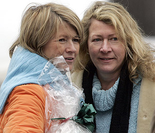 Martha Stewart 'so sad' as sister dies