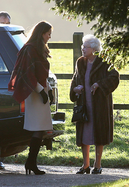 queen and kate christmas day-