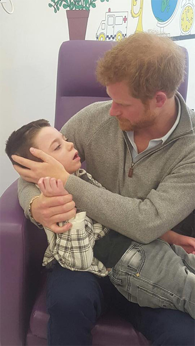 prince-harry-facebook-hospital-ollie