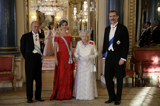 queen-letizia-queen-state-banquet-king-felipe