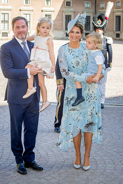 princess-madeleine-of-sweden-and-family-at-victorias-40th-birthday