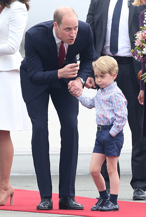 prince-william-talks-to-prince-george-outside-airplane-in-poland