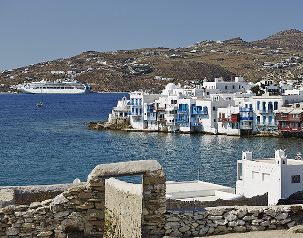 celebrity-holiday-destinations-mykonos-