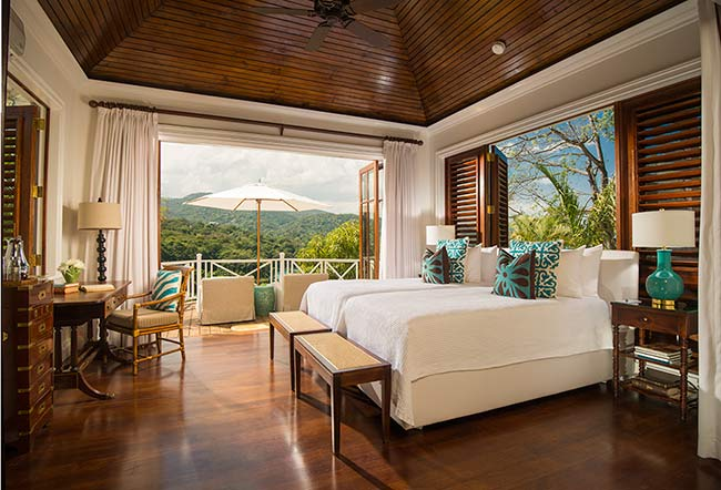 luxury-villa-bedroom