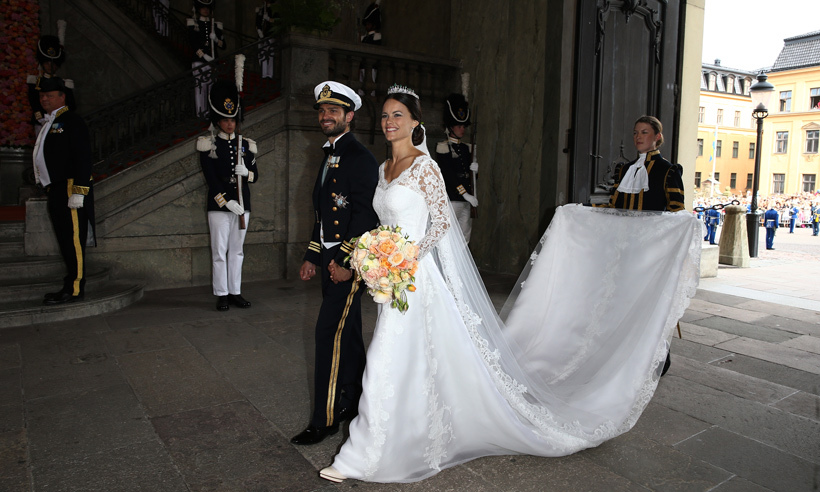 In photos prince carl philip and princess sofia of sweden for Swedish wedding dress designer