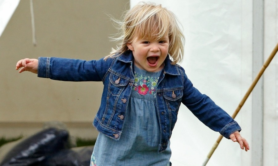 Mia's adorable reaction was captured as she played around during the Gloucestershire Festival of Polo.