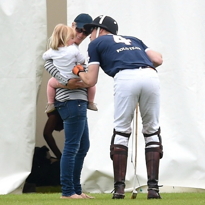 Mia shared a sweet moment with her cousin Prince William and her mom during the Maserati Royal Charity Polo Trophy match. 