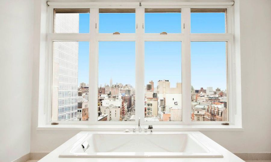 <p>Rihanna's apartment has three full bathrooms, including an ensuite master bath which has a frameless glass-enclosed double shower, double sinks and a 6-foot bathtub, not to mention more incredible views across Manhattan. We can see why the singer has rented there for so long!</p>