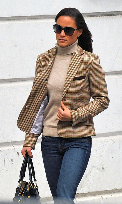 Pippa's schoolboy blazer got an update for fall when she paired it with a turtleneck and jeans.