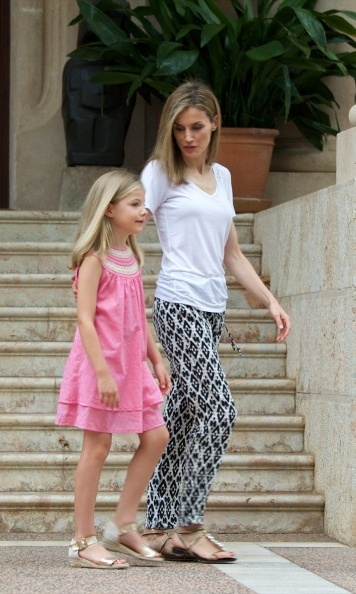 While on holiday in Mallorca in August 2014, Letizia showed how dressing down can still look chic in BOSS Orange aztec print pants. (She wore these earlier in the year too!)