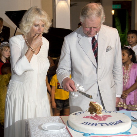 Prince Charles' 65th birthday cake (here in Sri Lanka) was less of a show-stopper but looked delicious all the same.