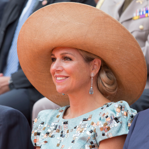What else do you wear to the 200th anniversary of the kingdom of The Netherlands in Maastricht, but a wide brim peach straw hat?