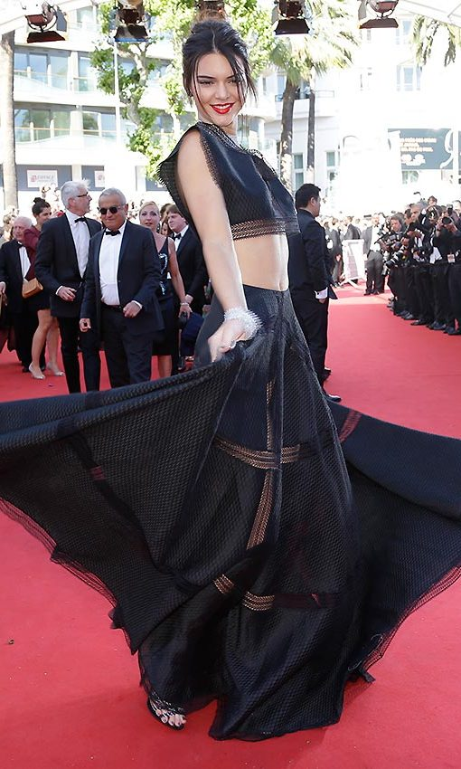 The model then spun around playfully in this crop top and maxi skirt from Azzedine Alaïa.