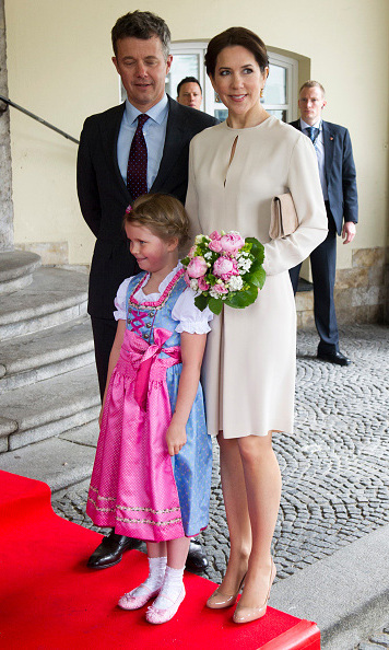 Mary kept it neutral as she was accompanied by her family during a visit to Denmark. 